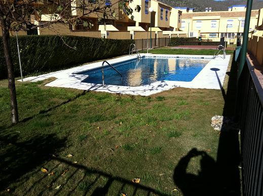 Chalets adosados a estrenar con piscina. Piscinas